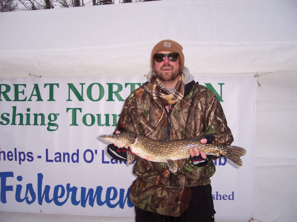 Annual great northern ice fishing tournament in phelps wi for Ice fishing tournament